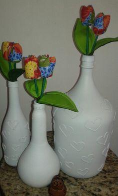 Inspiração para os namorados! Garrafas/Garrafões e garrafinfas e de quebra flores de chita. Pronta entrega.