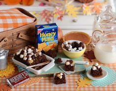 Miniature Fall Baking S'Mores Brownies por CuteinMiniature en Etsy