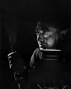 Peter Lorre juni 1904 – marts var født László Löwenstein, var en ungarsk – østrigsk – amerikansk skuespiller / by Yousuf Karsh / 1946 Famous Photographers, Portrait Photographers, Classic Hollywood, Old Hollywood, Hollywood Stars, Hollywood Glamour, Yousuf Karsh, Peter Lorre, Fritz Lang