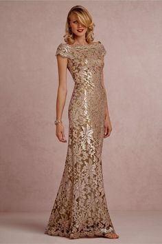 the prettiest 'Mother-of-the-bride' dress. But I'd wear this as a modern bride too! Mother Of The Bride Dresses Long, Mothers Dresses, Long Mothers Dress, Mob Dresses, Bridesmaid Dresses, Wedding Dresses, Dresses Online, Lace Wedding, Bhldn Dresses