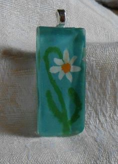 Daisy cabochon pendant by BeautyOffered on Etsy, $10.00