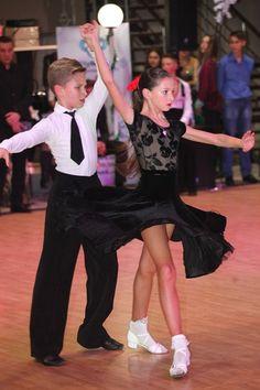 0e5a20b6dd A(z) Latin ruha gyerekeknek nevű tábla 75 legjobb képe   Ballroom ...