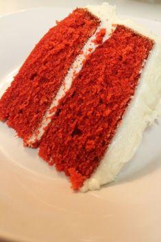 BEST red velvet cake recipe, ever! This red velvet cake is so moist & fluffy. I love red velvet cake, but I don't love everyones Red Velvet Cake Rezept, Easy Red Velvet Cake, Bolo Red Velvet, Velvet Cupcakes, Southern Red Velvet Cake, Red Cake, Food Cakes, Cupcake Cakes, Cake Cookies