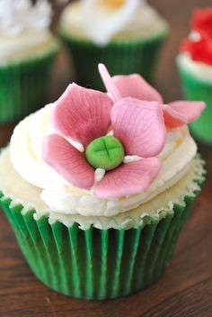 Sucre: ♥ Cupcakes de Primavera, las flores vienen para quedarse...