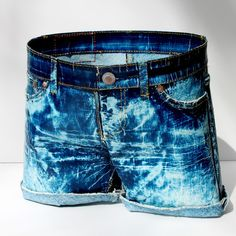 It's not what you think. These shorts are made almost completely out of paper. PAPER!