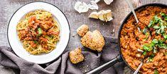 Härkis-pastakastike | Pääruoat | Reseptit – K-Ruoka Daily Bread, Wine Recipes, Vegetarian Recipes, Curry, Pasta, Beef, Meals, Cooking, Ethnic Recipes