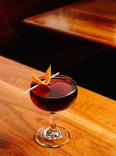 In the bittersweet Manhattan riff from Goodkind in Milwaukee, Averna, PX sherry and a whisper of absinthe bring new flavor to the original. Cocktail Garnish, Cocktail Drinks, Cocktail Recipes, Cocktail Ideas, Woodford Reserve Bourbon, Rye Bourbon, Bulleit Bourbon, Whiskey Cocktails, Classic Cocktails