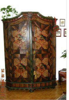 Barock-Kasten mit gefasster Oberfläche Armoire, Furniture, Home Decor, Glass Display Case, Restoration, Baroque, Art Nouveau, Timber Wood, Clothes Stand