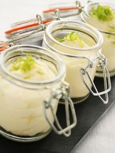 Mousse au citron et au Mascarpone (très facile) - Thermomix Desserts, No Cook Desserts, Easy Desserts, Delicious Desserts, Dessert Recipes, Petits Desserts, Mousse Dessert, Tiramisu, Macarons