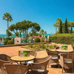 Disfruta en #FuerteConilCostaLuz frente a una de las mejores playas de España. Más info en el link de la bio  Enjoy one of Spain's best beaches at #FuerteConilCostaLuz. More info by clicking in the link at the bio  #FuerteHoteles #CostadelaLuz #Conil #Huelva #Andalucía #Andalusia