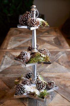 French style 2014 Christmas pinecone tower table setting - Christmas home decor #2014 #Christmas