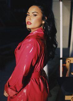 Demi Lovato Makeup, Demi Lovato Style, Rachel Mcadams, Pretty People, Beautiful People, Scooter Braun, Demi Lovato Pictures, Teen Vogue, Christina Aguilera
