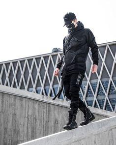 119 wonderful urban fashion streetwear shoes ideas - page 1 Mode Cyberpunk, Cyberpunk Fashion, Streetwear Shoes, Streetwear Fashion, Street Goth, Street Wear, Dark Fashion, Urban Fashion, Mens Fashion Online