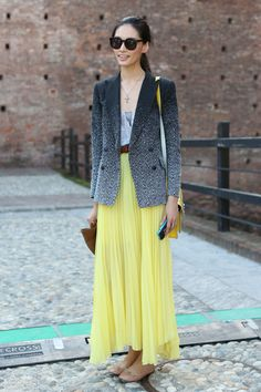 I don't generally like yellow, but this outfit's just darlin'