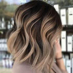 And NOW we're craving a cappuccino! ... THIS is beautiful @hairbyliaa! #behindthechair #cappuccino #balayage #shadowroot…