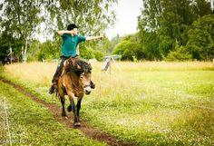 Läger med häst och pilbåge | Beridet bågskytte och Tornerspel by Dalecarlian…