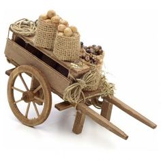 Carreta con frutas secas pesebre Nápoles Fairy Houses, Doll Houses, Bamboo Crafts, Cardboard Crafts, Christmas Nativity, Display Design, Make It Yourself, Cool Stuff, Wood