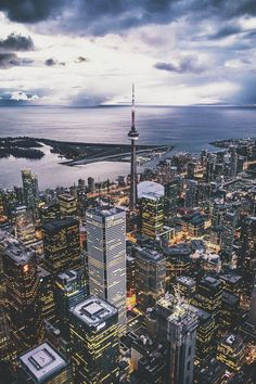 Above Toronto, Ontario, Canada 🍁 Torre Cn, Travel Around The World, Around The Worlds, Places To Travel, Places To Visit, Toronto City, Toronto Skyline, Photos Voyages, Urban Landscape