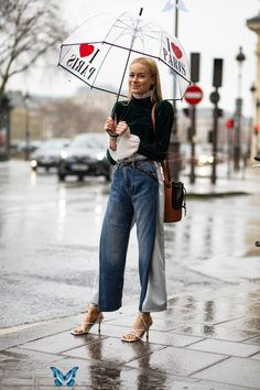 The Best Street Style Looks From Paris Fashion Week Fall 2020  <br> Plus, browse all of our images from the week in one place. Look Street Style, Spring Street Style, Street Style Looks, Street Style Women, Street Styles, Spring Fashion Trends, Nyc Fashion, Cool Street Fashion, Fashion Week