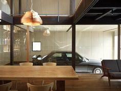 e30 M3 garage.