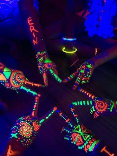 DIY Glow In The Dark Party Ideas im Dunkeln leuchten Geburtstagsparty malen
