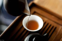 Tea! I really like this pic. Pouring tea made interesting. Gonna try to emulate it.