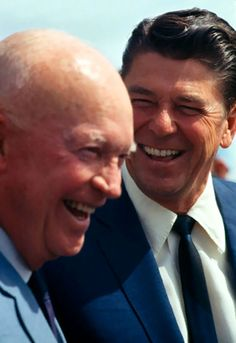 Former US President Dwight D. Eisenhower and future President Ronald Reagan. Presidents Wives, Greatest Presidents, American Presidents, American History, Republican Presidents, American Soldiers, British History, Native American, 40th President