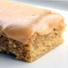 This Peanut Butter Sheet Cake is a moist sheet cake topped with a gooey peanut butter glaze. Peanut butter lovers, this is your dessert! the-girl-who-ate-everything.com