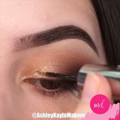TOP 4 Makeup Ideas These makeup ideas will definitely save you some time and effort to complete your perfect looks! Smoke Eye Makeup, Eye Makeup Steps, Eye Makeup Art, Skin Makeup, Eyeshadow Makeup, Blue Eyeshadow, Makeup Looks Tutorial, Smokey Eye Makeup Tutorial, Makeup Trends