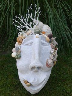 Ytong Skulptur mit Atlantik-Muscheln