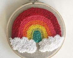 Punch Needle Rainbow Wall Art Source by midnightcrtive Embroidery Hoop Crafts, Embroidery Works, Hand Embroidery, Punch Art, Punch Punch, Punch Needle Patterns, Rainbow Crafts, Rainbow Wall, Yarn Projects