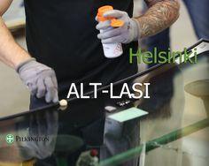 Alt, Aina Lasia Tarvittaessa! Sitä lupaa helsinkiläinen Alt-Lasi, jonka palveluihin kuuluvat kaikenlaisten ikkunoiden ja ovien korjauslasitukset sekä 24 tunnin korjauslasituspäivystys vuoden jokaisena päivänä. Automotiv-osastolta löytyvät kaikkien automerkkien alkuperäiset lasit. Työkoneisiin ja muuhun raskaaseen kalustoon Alt-Lasi valmistaa laseja mittatilaustyönä. Huipputekniikka, toimiva kalusto ja asiantuntevat asentajat takaavat erinomaisen lopputuloksen työlle kuin työlle…