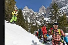 Abbiamo la testimonianza che a #sanmartinodicastrozza si #ciaspola ancora!  Nonostante sia #marzo dallo Ski Residence  pubblicano questa foto!   Chi altro è andata a ciaspolare oggi?