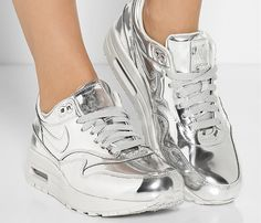 Nike Air Max Liquid Silver Sneakers