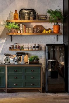 kitchen-ideas-the-starting-point-in-designing-your-dream-kitchen - Thrifty Decor 1 Home Decor Kitchen, Rustic Kitchen, Kitchen Interior, Home Kitchens, Hipster Kitchen, Decor Interior Design, Interior Decorating, Sweet Home, Cuisines Design
