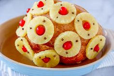 This Old-Fashioned Holiday Ham is the perfect Baked Ham Recipe. Spiral sliced ham glazed with brown sugar and pineapple juice, and decorated with colorful pineapple slices and cherries. Baked Ham Recipe You won't believe Pineapple Glaze, Pineapple Slices, Ham Recipes, Baking Recipes, Spiral Sliced Ham, Broccoli Fritters, Holiday Ham, Brown Sugar Glaze, Ham Glaze