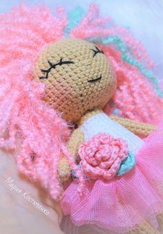 Amigurumi Rose Doll Free Pattern – Amigurumi Free Patterns And Tutorials Amigurumi Giraffe, Doll Amigurumi Free Pattern, Crochet Amigurumi Free Patterns, Crochet Doll Pattern, Amigurumi Doll, Crochet Toys, Crochet Doll Tutorial, Crochet Mug Cozy, Kawaii Crochet