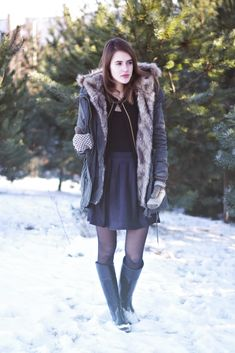 Sock Ankle Boots, Black Rain Boots, Wellington Boot, Equestrian Outfits, How To Get Warm, Simple Outfits, Cold Weather, Beautiful Outfits, Parka