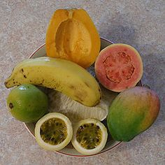 How to Make Tropical Fruit Smoothies