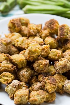 Baked Fried Okra is a healthier way to enjoy southern fried okra but it still has a delicious crispy coating. Vegetarian Cooking, Easy Cooking, Vegetarian Recipes, Healthy Recipes, Italian Cooking, Cooking Ideas, Keto Recipes, Healthy Food, Honey