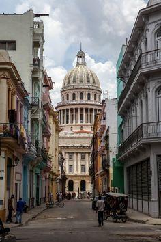 Capitolio, Havana Cuba. Photo by Nikos Arvanitidis