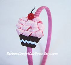 Cupcakes Take The Cake: Ribbon Candy Hair BowsThese cupcake hair accessories by Ribbon Candy are adorably sweet. Ribbon Sculpture cupcake headband, with a button cherry and a sturdy felt inner layer.cupcake hairbow made of ribbonomg - how gorgeous. Ribbon Candy, Ribbon Hair Bows, Diy Hair Bows, Diy Bow, Diy Ribbon, Ribbon Crafts, Diy Headband, Baby Headbands, Ribbon Projects