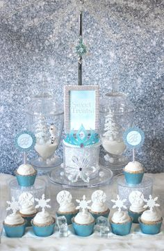 Check out these ideas for setting up a Frozen Party sweets table including winter wonderland terrariums and Frozen inspired tutu dress. Frozen Birthday Party, Frozen Tea Party, Frozen 1, Disney Frozen Party, Frozen Cake, Girl Birthday, Birthday Parties, Birthday Ideas, Disney Birthday
