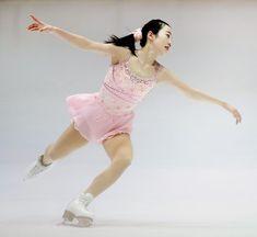 女子SPで首位に立った本田真凛=大阪府臨海SC    フィギュアスケート近畿選手権
