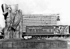 Lenin and Ernst Thälmann (?), Dresden, Wiener Platz/Prager Strasse, 1979