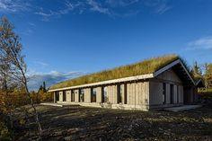 Kvitfjell Vest - Flott nyoppført hytte med attraktiv beliggenhet Real Estate, Cabin, House Styles, Mountains, Home Decor, Real Estates, Decoration Home, Room Decor, Cabins