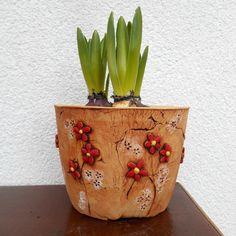 Květináč+-+červené+kytičky+obal+na+květináč+na+venkovní+použití,+uvnitř+glazován,+tvarován+ručně+-+vnitřní+výška+cca11-12+cm,+vnitřní+průměr+horního+okraje+cca14-15+cm++....zasílám+jako+křehké+zboží