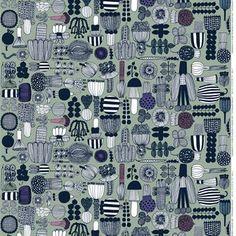 Med sit mønster med grøntsager, blomster og svampe har Maija Louekari indfanget sommeren i dette underholdende tekstil.