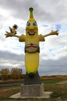 THE BANANA BELT, MELITA, MANITOBA, CANADA BY MIKE. Wish I knew the story behind this. If you do, tell me!