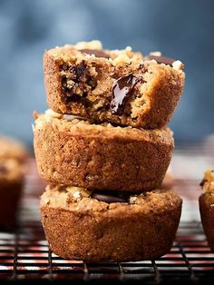 These White Bean Blondies are healthy, vegan, gluten free, and oh yeah, actually delicious! Full of white beans, oats, maple syrup, coconut oil, cinnamon, and a few chocolate chips! SO easy! And I promise you can't taste the beans. showmetheyummy.com #vegan #dessert